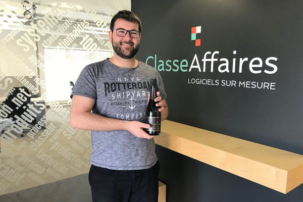 Jean-Sébastien Roy réussit son stage avec brio et devient officiellement programmeur-analyste!